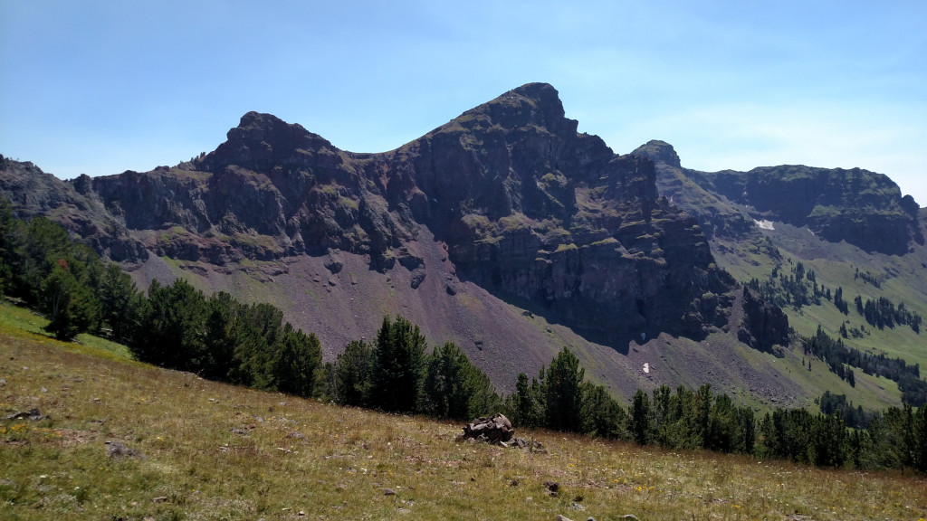 An unnamed peak just south of the saddle. I think it's worthy of a name…I'll call it Trigonal Peak.