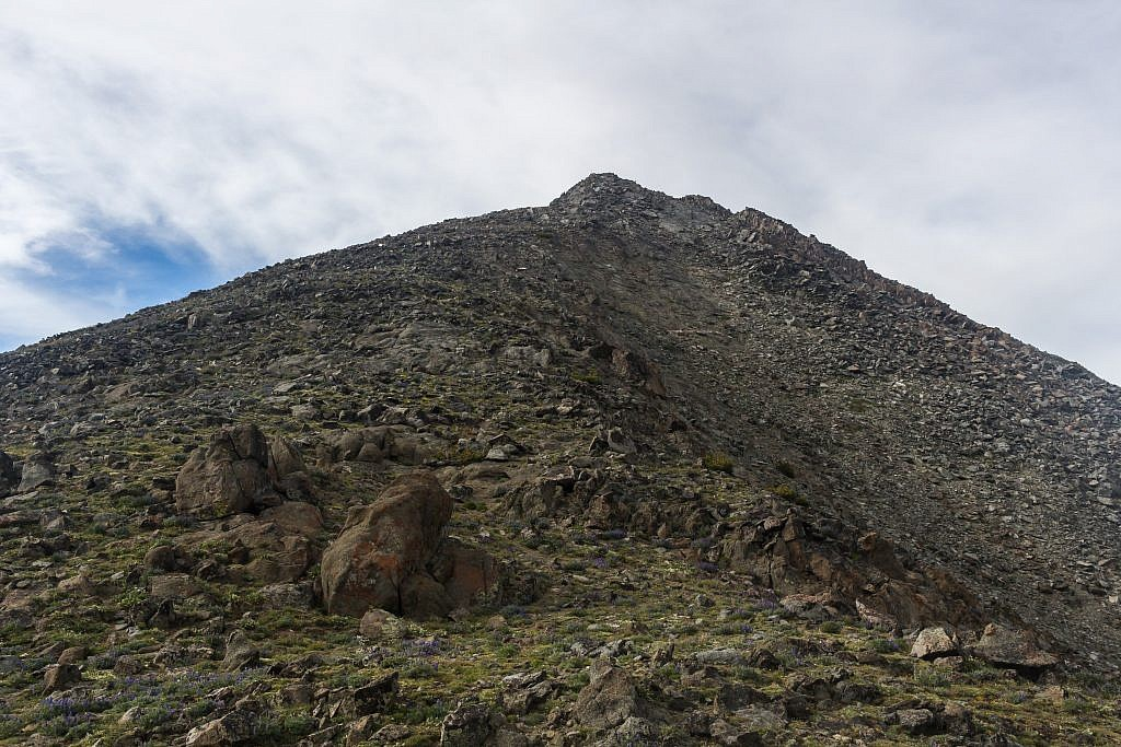 The path up Conical Peak from the saddle. It looks pretty easy from this angle.