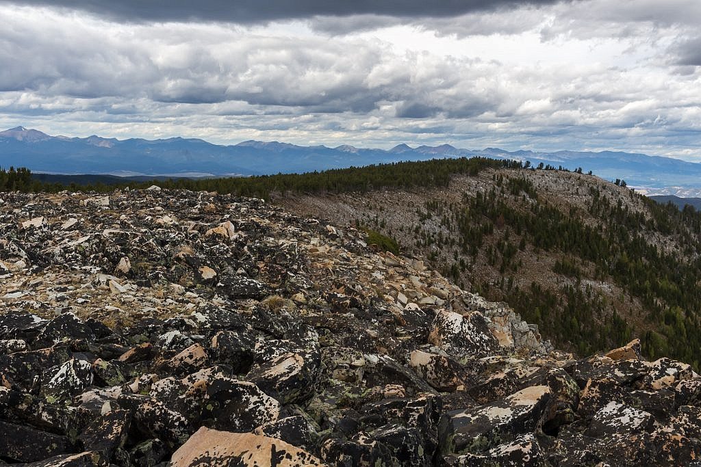 Looking back along the rim of the cirque. Anaconda Range in the distance. West Goat on the far left and Mount Haggin somewhere on the far right.