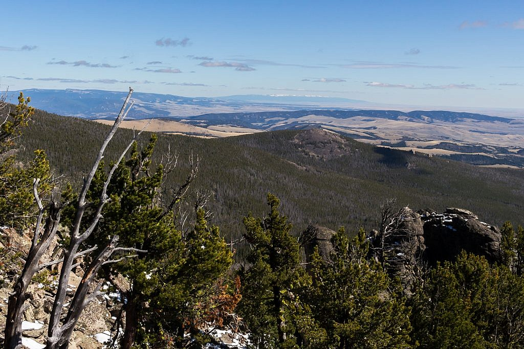 Looking east from the summit towards the Big Snowy Mountains, a range I have yet to visit.