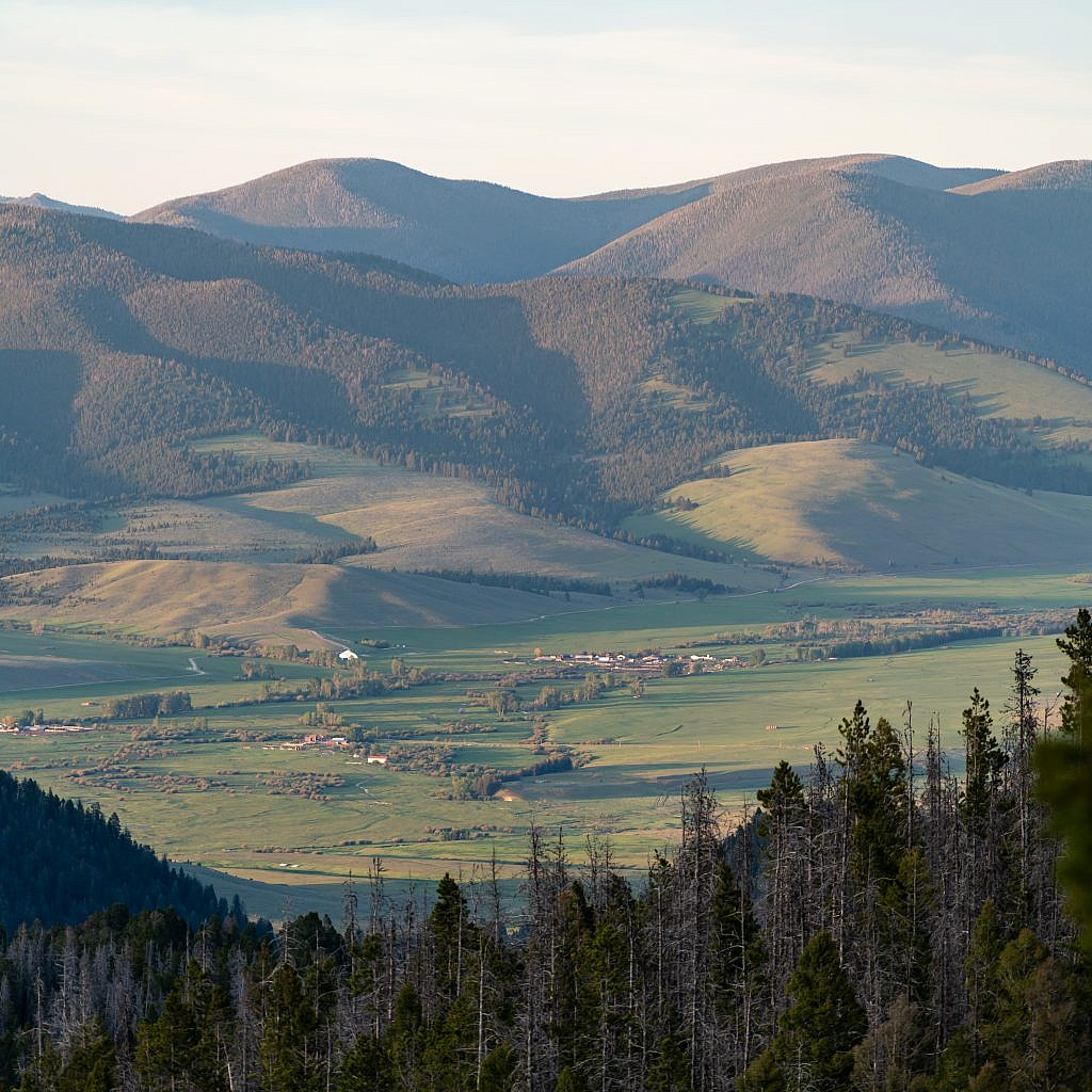 Looking northeast from the summit towards the Nevada Mountains. Avon valley in the foreground.